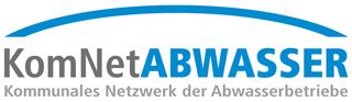 Logo des KomNetABWASSER mit grauem und blauem Schriftzug